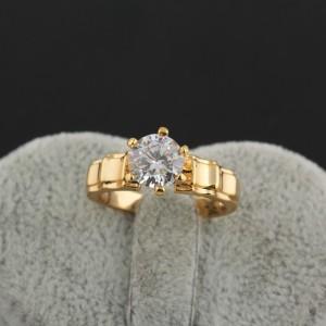Обаятельное кольцо с прозрачным камнем-цирконом, покрытое позолотой купить. Цена 160 грн
