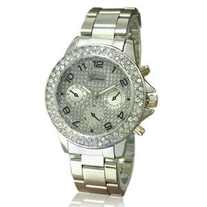 Модные женские часы «Geneva» с металлическим браслетом и стразами на циферблате и корпусе фото. Купить