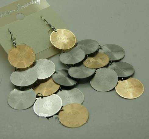 Массивные серьги «Луидоры» из металла в виде грозди из разноцветных монет купить. Цена 55 грн