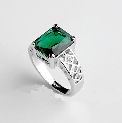 Великолепное кольцо «Барыня» (бренд-ITALINA) с зелёным камнем Сваровски и покрытием из белого золота купить. Цена 180 грн
