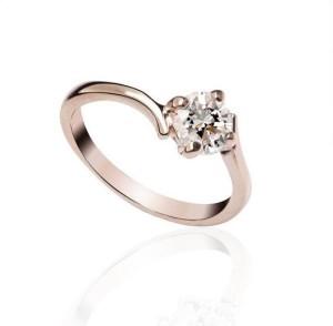 Обыкновенное кольцо «Милада» (бренд-ITALINA) с прозрачным камнем Сваровски и 18-ти каратной позолотой купить. Цена 155 грн или 485 руб.