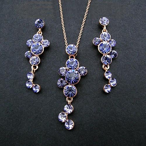 Обворожительный набор «Виноград» с фиолетовыми кристаллами Сваровски и позолотой купить. Цена 650 грн