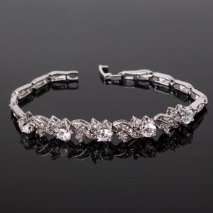 Дизайнерский браслет «Вернисаж» с камнями-цирконами и покрытием из платины фото. Купить