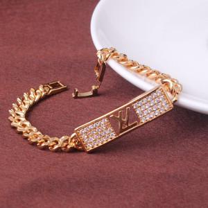 Популярный браслет «Louis Vuitton» с фирменной эмблемой, фианитами и золотым напылением фото. Купить