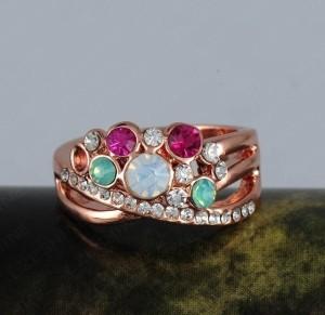 Разноцветное кольцо «Веста» с камнями Сваровски и покрытием из розового золота купить. Цена 165 грн или 520 руб.