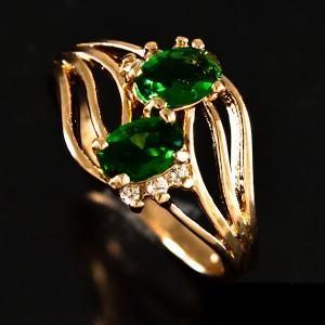 Позолоченное кольцо «Загадка» с двумя цирконами изумрудно-зелёного цвета купить. Цена 190 грн или 595 руб.