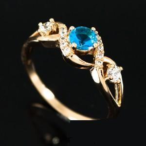 Очень красивое кольцо «Василиса» с голубым цирконом и золотым напылением купить. Цена 220 грн или 690 руб.