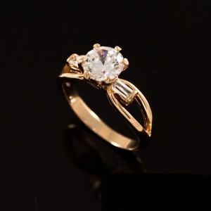 Классическое кольцо «Элегантное» с цирконами и 18-ти каратным золотым покрытием купить. Цена 180 грн