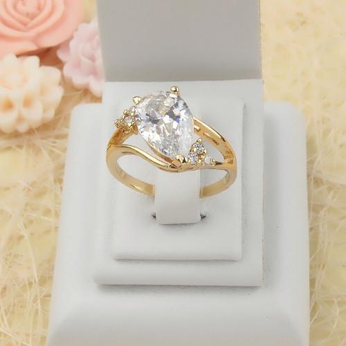 Грациозное кольцо «Княгиня в белом» с камнем в форме капли и 18-ти каратной позолотой купить. Цена 195 грн