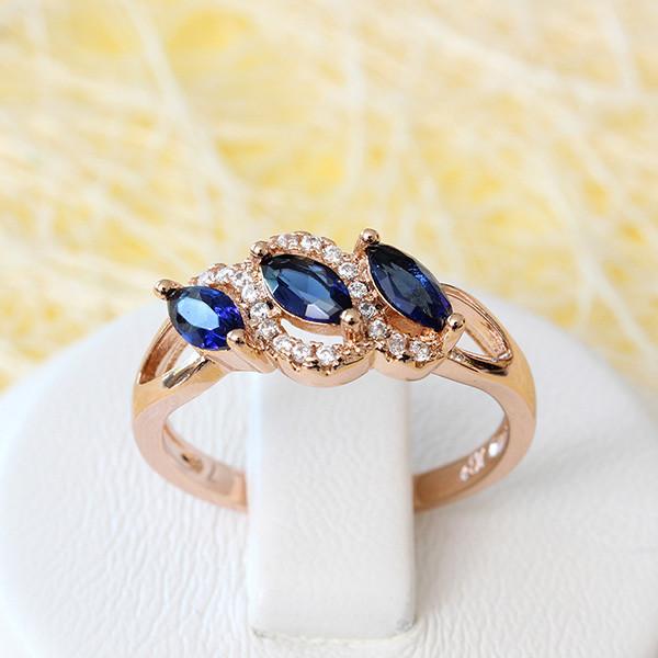 Симпатичное кольцо «Сонет» с синими фианитами и позолотой купить. Цена 195 грн