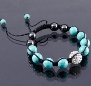 Голубой браслет Шамбала из бирюзы со стразами и бусинами из чёрного гематита фото. Купить
