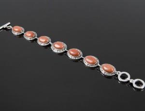 Оригинальный браслет из авантюрина в металлической оправе под чернёное серебро купить. Цена 185 грн или 580 руб.