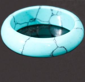 Простое голубое кольцо из пресованной бирюзы купить. Цена 29 грн или 95 руб.
