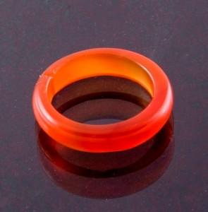 Недорогое узкое кольцо из натурального сердолика купить. Цена 65 грн или 205 руб.