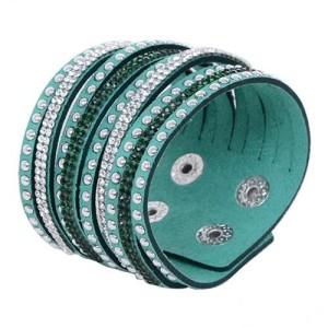 Зелёный браслет «Гламурка» из ленты со стразами и кнопочной застёжкой купить. Цена 79 грн или 250 руб.