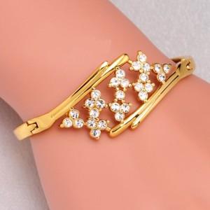 Женский браслет «Ривьера» из металла с покрытием под золото и бесцветными стразами купить. Цена 130 грн или 410 руб.