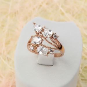 Неверояное ажурное кольцо «Стрелиция» с блестящими фианитами и высококлассной позолотой купить. Цена 199 грн или 625 руб.