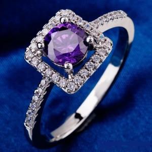 Серебристое кольцо «Амадей» с фианитом фиолетового цвета и родиевым покрытием купить. Цена 165 грн