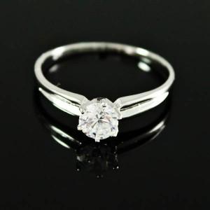 Обычное кольцо «Родничок» с одним круглым фианитом и родиевым покрытием купить. Цена 110 грн