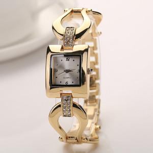 Утончённые часы «Caldi» с квадратным корпусом и красивым золотистым браслетом купить. Цена 225 грн