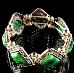 Винтажный браслет из малахита в оправе под старинное серебро в форме ромбов купить. Цена 215 грн