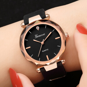 Прекрасные женские часы «Geneva» с чёрным силиконовым ремешком купить. Цена 245 грн
