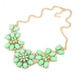 Чудесное ожерелье «Франческа» с камнями мятного цвета с золотистой цепочкой купить. Цена 199 грн