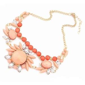 Нежное ожерелье «Сарагоса» с камнями персикового цвета и прозрачными стразами фото. Купить