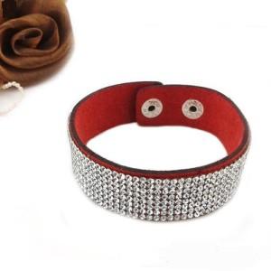 Красный браслет «Алмазная лента» в виде замшевой полосы, усыпанной мелкими стразами фото. Купить