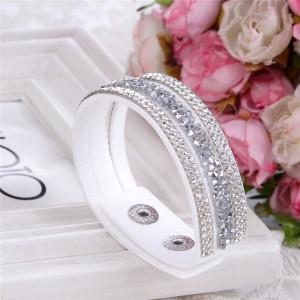 Белоснежный браслет «Фристайл» в виде тройной ленты с мелкими кристаллами купить. Цена 89 грн или 280 руб.