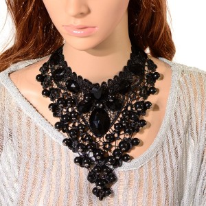 Роскошное чёрное ожерелье «Реквием» с чёрными бусинами и крупными камнями купить. Цена 270 грн