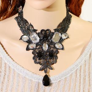 Ажурное ожерелье «Грозди» с чёрными и белыми камнями на ленточках-завязках купить. Цена 110 грн