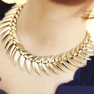 Оригинальное ожерелье «Симфила» из тонкого металла золотого цвета, без камней купить. Цена 145 грн или 455 руб.