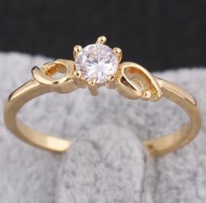 Малюсенькое кольцо с маленьким цирконом и покрытием из арабского золота купить. Цена 89 грн