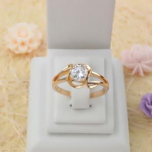 Прелестное кольцо «Увертюра» с круглым цирконом в ажурной оправе с качественной позолотой купить. Цена 185 грн
