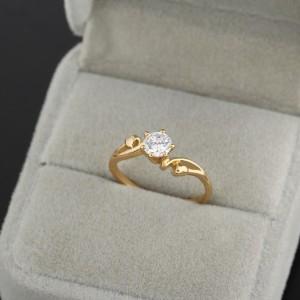 Вычурное кольцо с прозрачным цирконом и 18-ти каратным золотым напылением купить. Цена 115 грн или 360 руб.