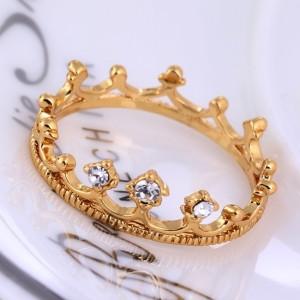 Оригинальное кольцо в форме короны с фианитами и напылением из арабского золота купить. Цена 135 грн