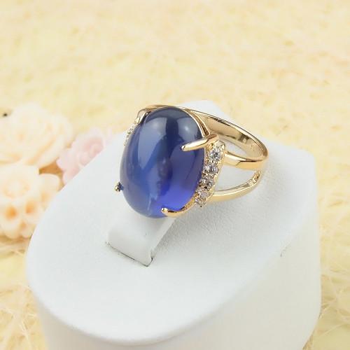 Богатое кольцо «Браво» с большим синим фианитом, мелкими цирконами и качественной позолотой купить. Цена 250 грн