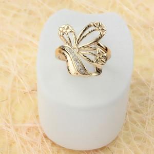 Необычное кольцо «Эльвина» с гравировкой, цирконами и 18-ти каратной позолотой купить. Цена 220 грн