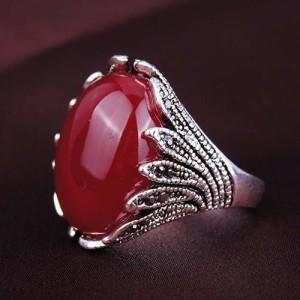 Винтажное кольцо «Киприда» с большим бордовым камнем и чёрными стразами купить. Цена 89 грн или 280 руб.