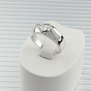 Совершенное кольцо «Аляска», усыпанное цирконами и покрытое родиевым напылением купить. Цена 230 грн