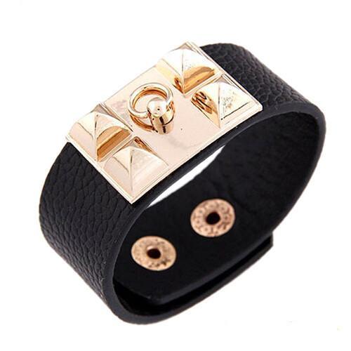Популярный широкий браслет из чёрной исскуственной кожи с накладкой с шипами и кольцом купить. Цена 135 грн