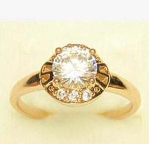 Круглое кольцо «Прованс» с прозрачными фианитами и высококачественным золотым напылением фото. Купить