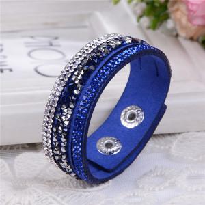 Классный браслет «Фристайл» цвета «синий электрик» в виде трёх полос со стразами фото. Купить