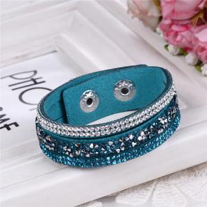 Очаровательный браслет «Фристайл» со стразами из искусственной замши цвета морской волны купить. Цена 89 грн или 280 руб.