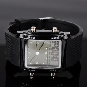 Прямоугольные чёрные часы с отображением двух часовых поясов, подсветкой и будильником фото. Купить