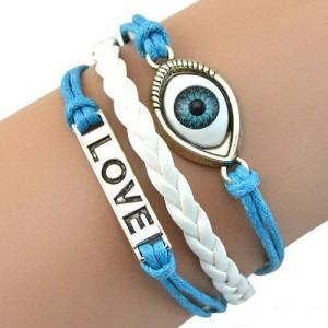 Молодёжный трёхрядный браслет с глазом, надписью «LOVE» и косичкой фото. Купить