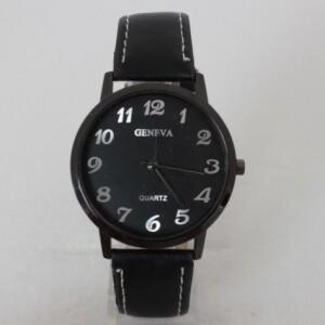 Строгие часы «Geneva» чёрного цвета с серебристыми цифрами фото. Купить