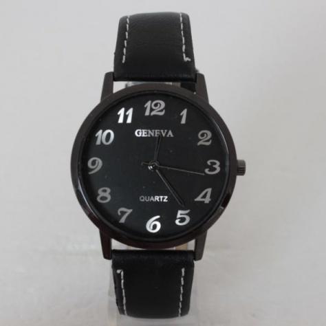 Строгие часы «Geneva» чёрного цвета с серебристыми цифрами купить. Цена 195 грн