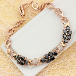 Магический браслет «Валькирия» с гроздьями из чёрных фианитов в позолоченной оправе фото. Купить